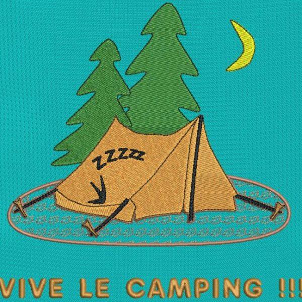 ¡Viva el camping! Diseño de bordado de máquina de descarga instantánea que representa una carpa erigida en medio del bosque con una caravana adentro que duerme después de una larga caminata. marco 13 x 18/20 x 20. Formatos de archivo PES, CSD, EXP, HUS, SHV, VIP, XXX, DST, PCS, JEF, VP3, EMB ... Descarga inmediata después de su pago.